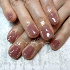 冬カラーを使用したシンプルなワンカラージェルネイル|graph* nail & design|福井県福井市の隠れ家ネイルサロン