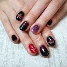 ブラック × レッド × パープルのお持ち込みNARUTO手書きアートジェルネイル|graph* nail & design|福井県福井市の隠れ家ネイルサロン