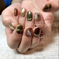 アースカラー × ミラーアクセサリーのご成人式用ジェルネイル|graph* nail & design|福井県福井市の隠れ家ネイルサロン